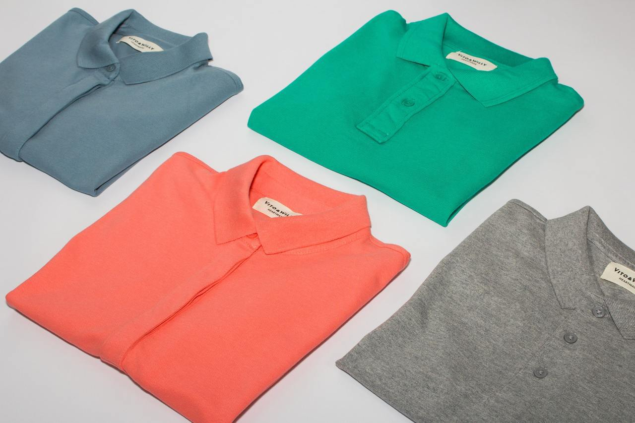 POLO衫不僅能夠單穿,也經常在多層次穿搭中使用。 圖/unsplash