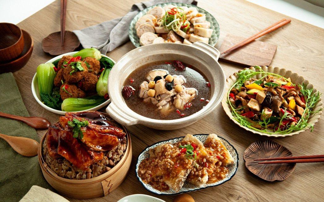 手路菜豪華組4菜1湯1米糕,完美搭配超級澎派。     台南大飯店/提供