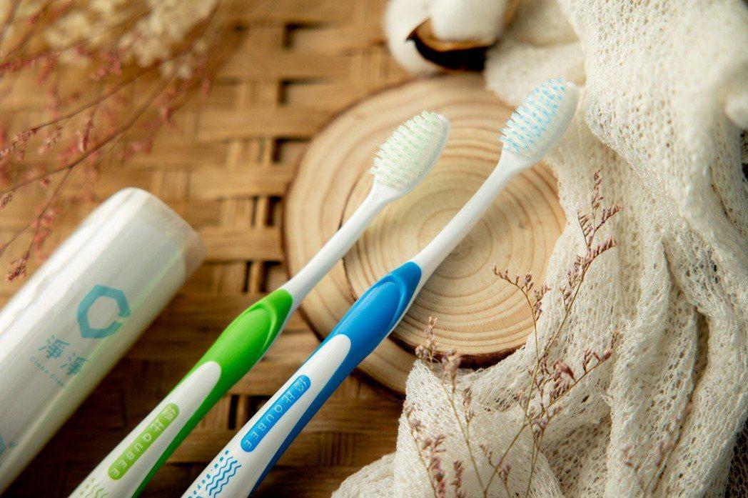 優比 Qubee零死角牙刷雙新品上市。若比貿易/提供