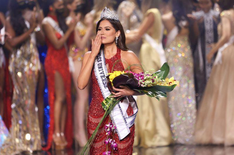 2021年環球小姐(Miss Universe)由墨西哥佳麗梅薩(Andrea Meza)摘下后冠。 法新社