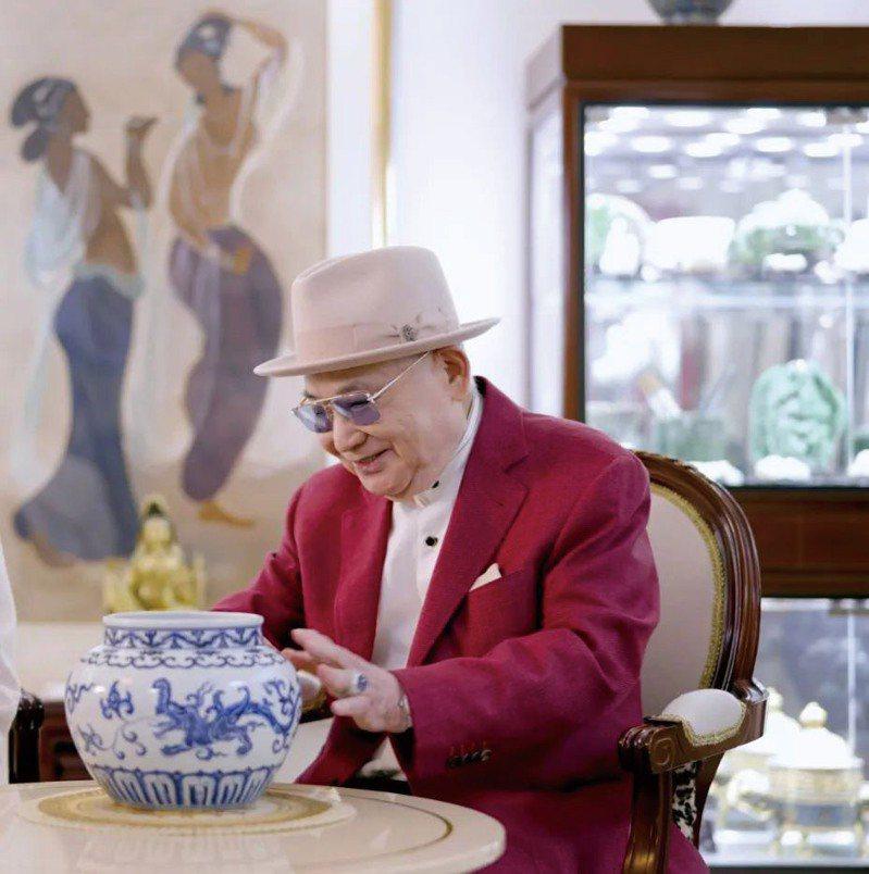 張宗憲先生珍藏珍罕〈明宣德 青花夔龍紋罐〉將亮相5月香港佳士得春拍