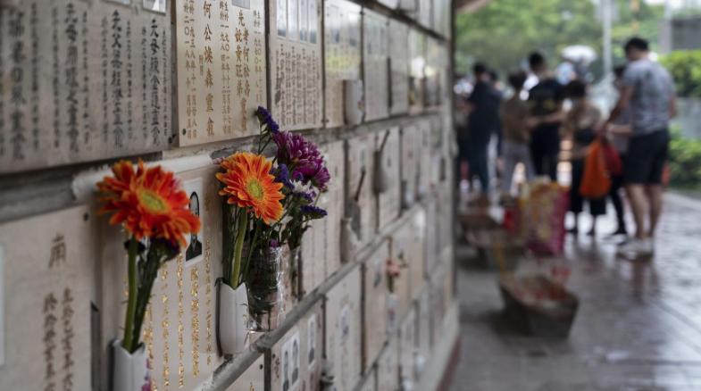 男學生李平說,從事殯葬業需要膽大心細,還會對生命敬畏,看淡人生。圖/取自虎嗅網