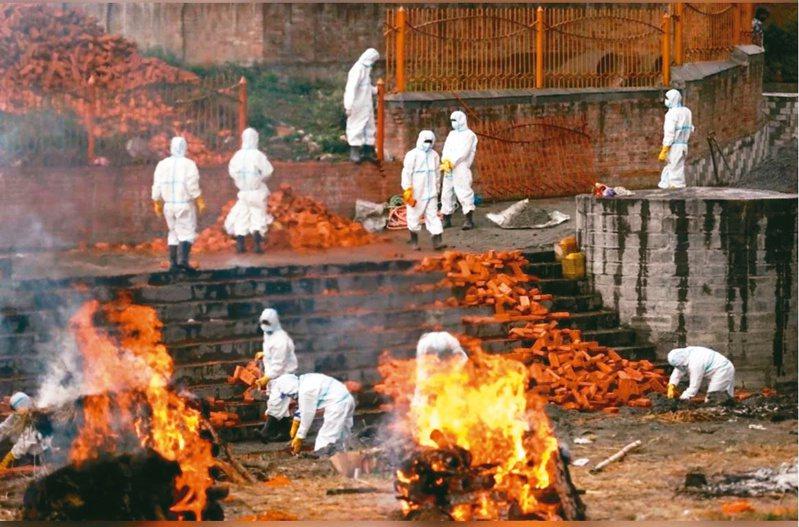 印度新冠肺炎疫情持續惡化。(路透)