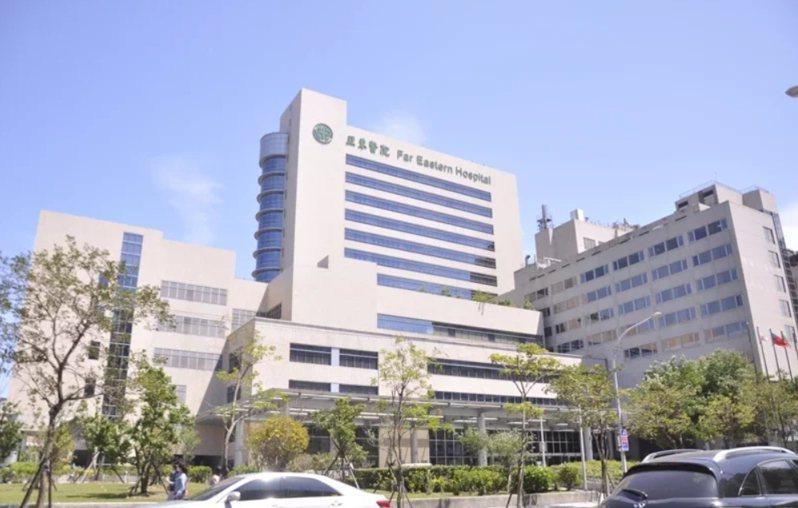 亞東醫院爆出院內7名陽性個案。記者張哲郢/攝影