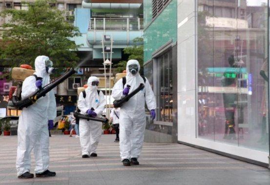 疫情嚴峻,各地加強消毒。圖/本報資料照片