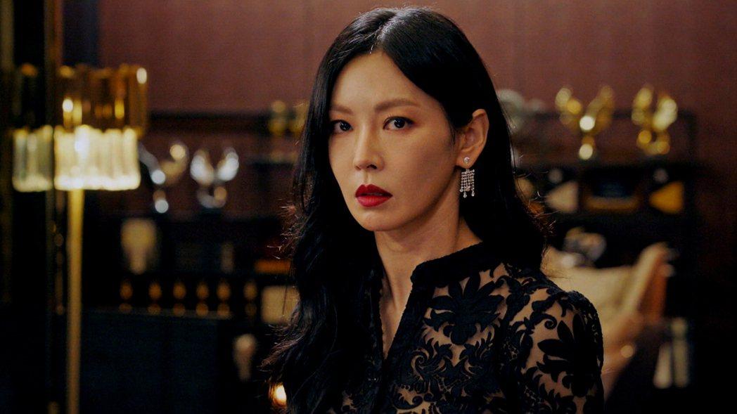 金素妍以「Penthouse:上流社會」再使壞拿下本屆百想視后。圖/東森戲劇台提