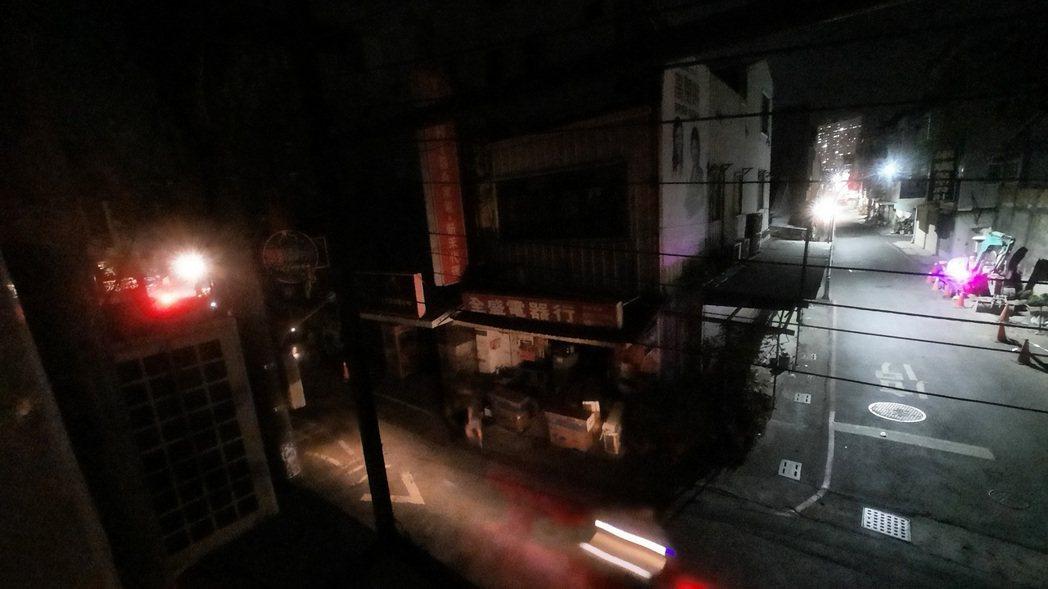 興達電廠本月13日突然發生變電所故障全台大停電,今天晚間又因供電不足發出警訊,整...