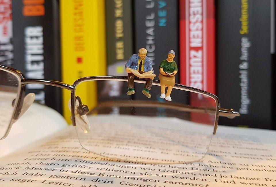 以房養老還是有幾項風險與缺點存在。銀行承作以房養老業務必須面對包括:延壽風險、房...