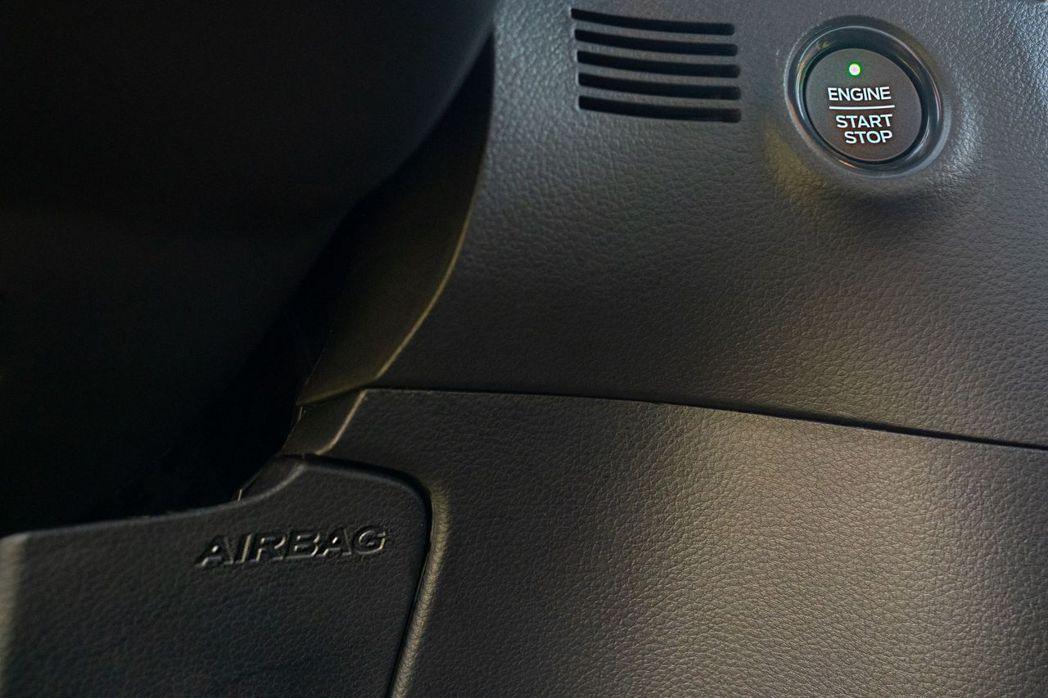 21年式Ford Ranger運動型升級7具SRS輔助氣囊,行車安全再提升。 圖...