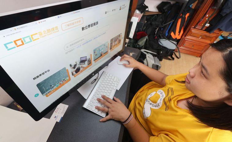 教育部宣布全面停課至5/28。 記者陳正興/攝影