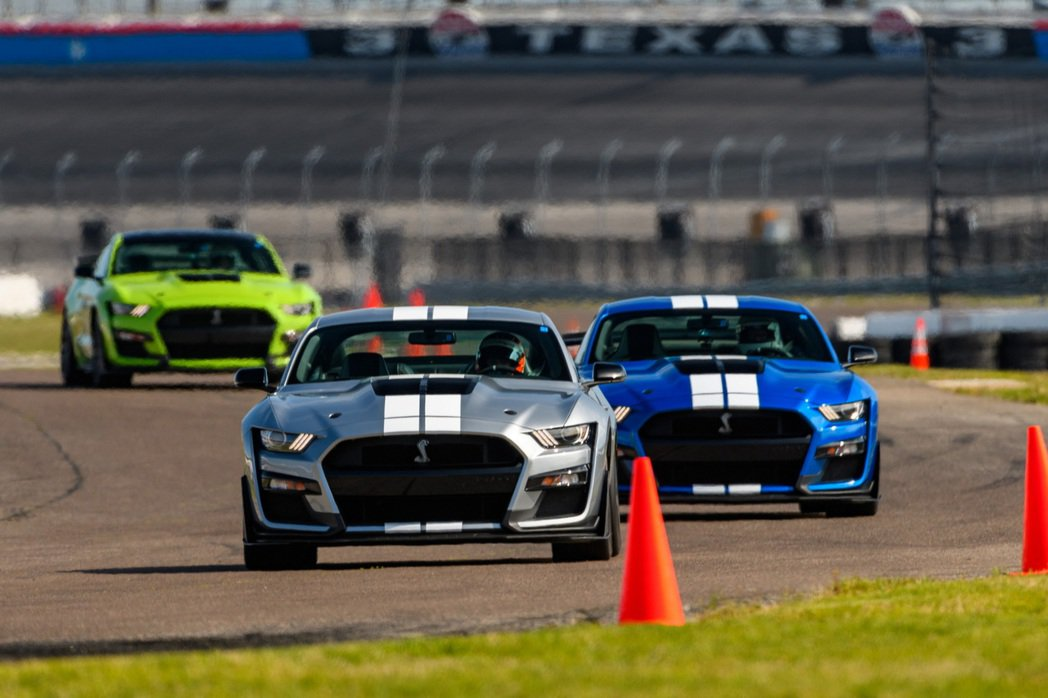 V8引擎Mustang上還能再存活一段時間。 摘自Ford