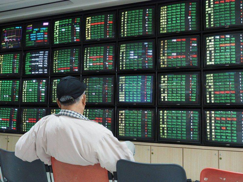 台股歷經昨日一片慘綠後,今天勁揚反彈792.09點。 本報系資料庫