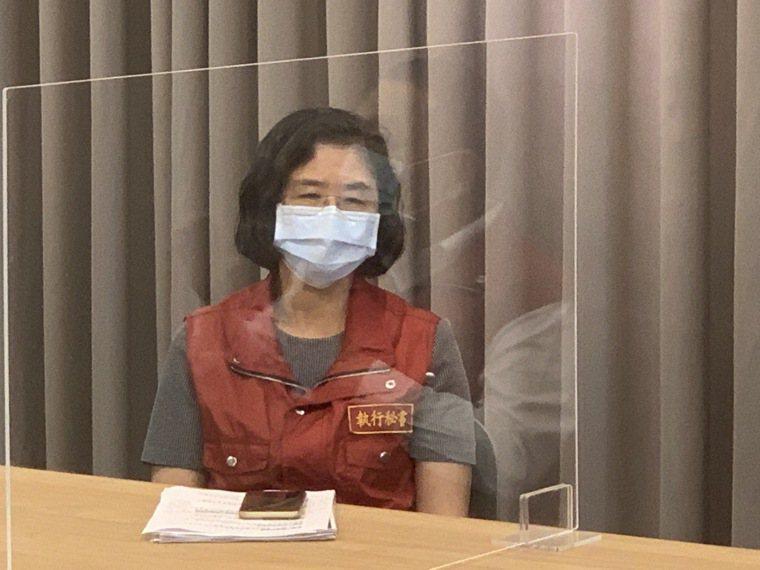新北衛生局長陳潤秋說,目前提供藥物確實困難,會盡快送往集中檢疫所,就有護理人員可...
