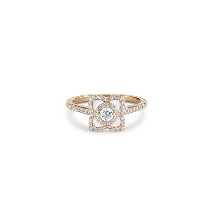 Enchanted Lotus 18K玫瑰金珍珠貝母鑽石戒指,10萬1,000元...