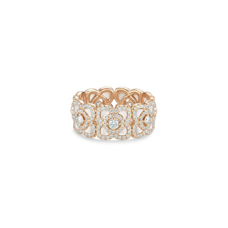 Enchanted Lotus 18K玫瑰金珍珠貝母鑽石戒指,23萬元。圖/DE...