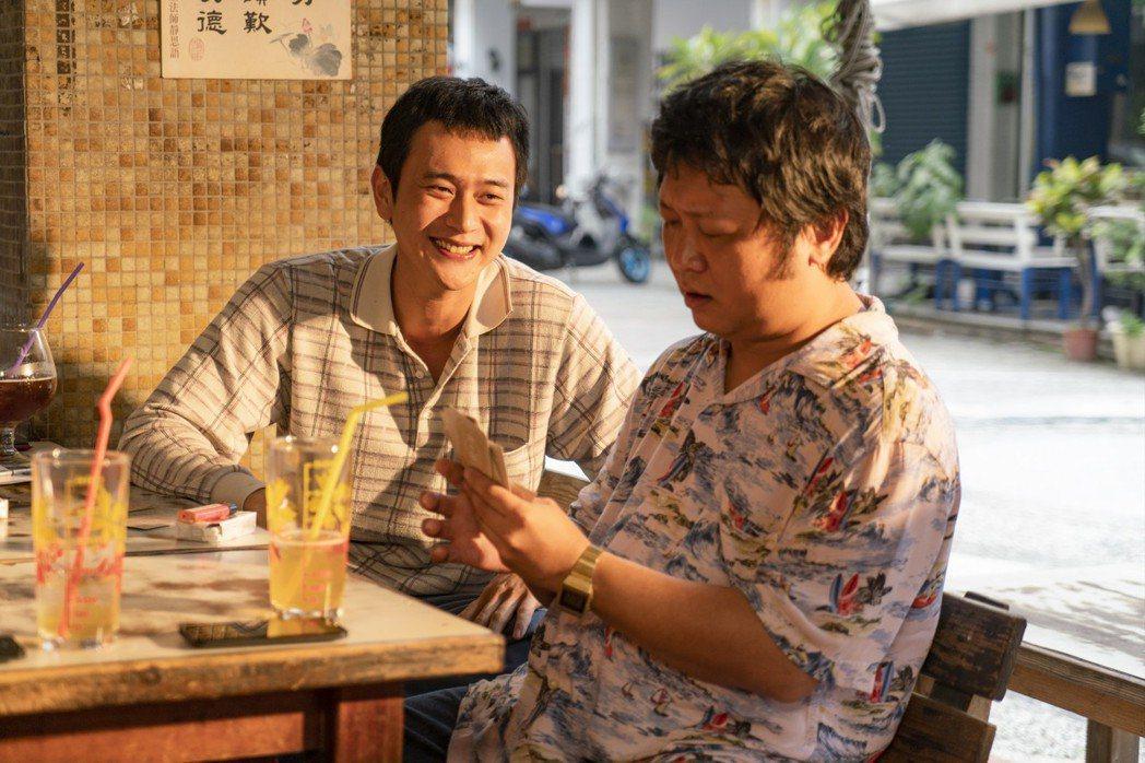 納豆(右)與劉冠廷(左)一同入圍台北電影獎最佳男配角,同片廝殺,他頻被朋友虧「這...