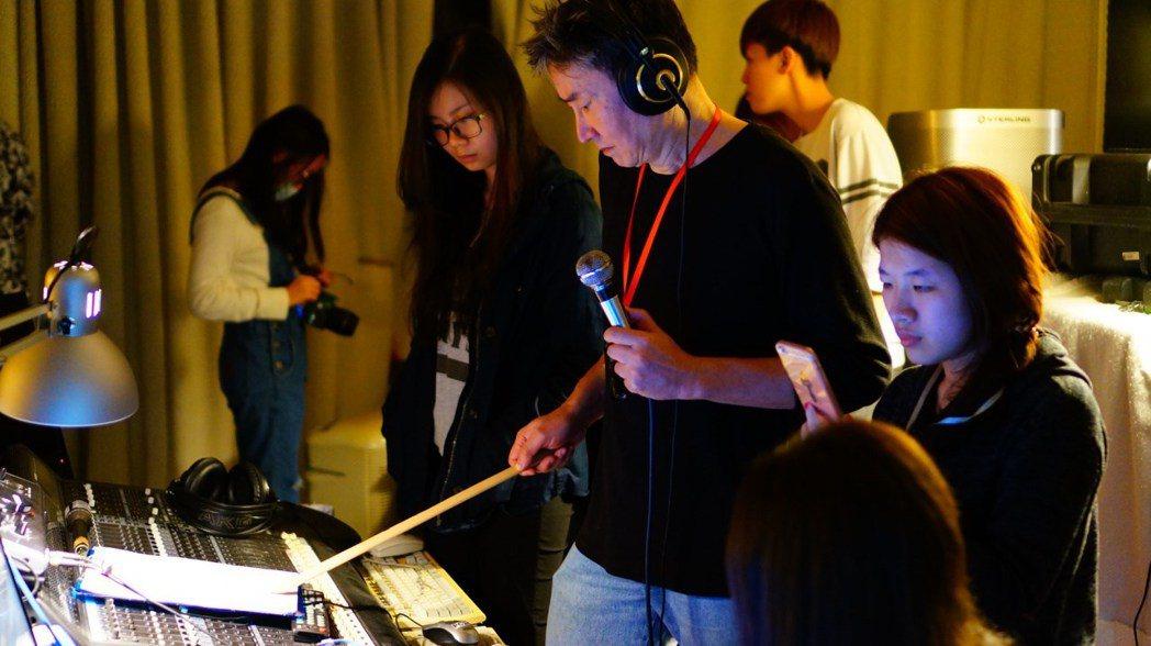 李恕權(右二)近年來投身音樂教育工作。圖/獨一無二娛樂文化提供