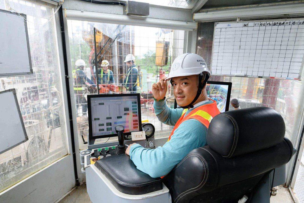 倍速羅得台灣董事長黃天德,對花蓮萬榮紅葉村的地熱發電鑽探計劃,寄予厚望。圖片來源...