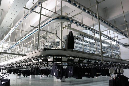 漢錸規劃自動化流水線,大量應用在製衣廠。 漢錸/提供