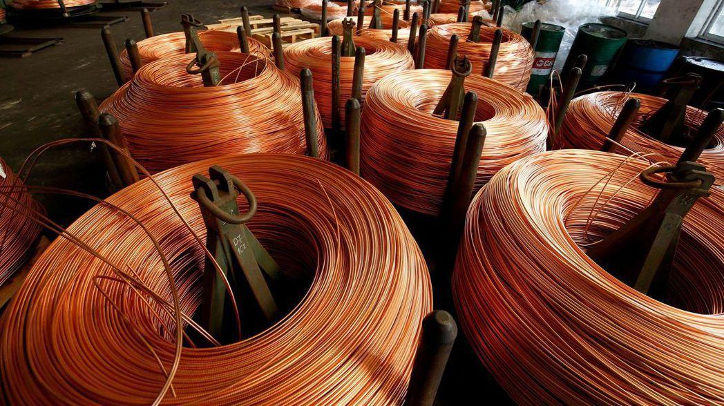 銅、鐵礦砂、鋼鐵、玉米、咖啡、小麥、黃豆、木材、半導體、塑膠及紙箱,全球各種物資...