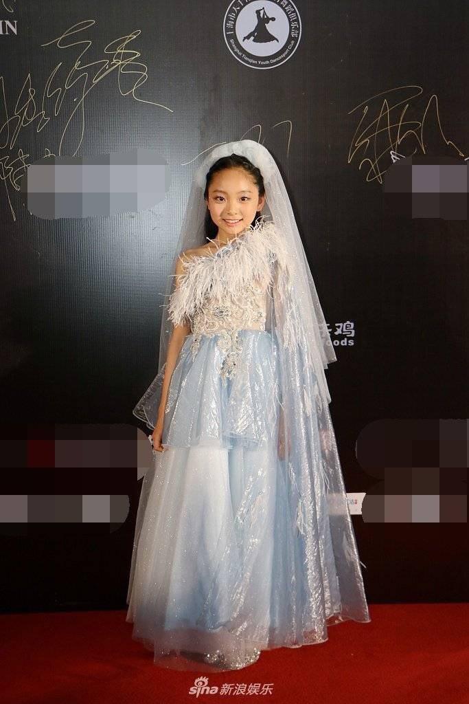 范朵朵近日參加了「你好時尚之夜2021青少年之夜」活動。圖/摘自微博