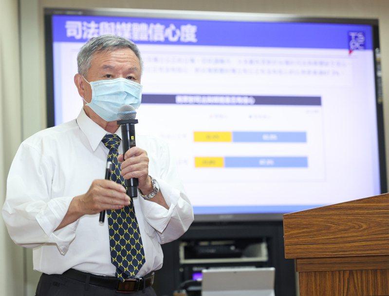 前衛生署長楊志良認為,台灣可以仿照武漢的經驗先行預備買個保險,以備確診人數爆增時有備無患。記者潘俊宏/攝影