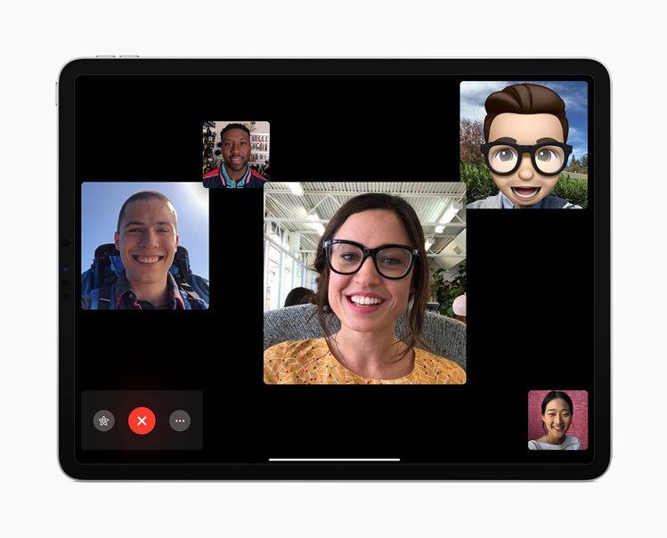 「群組 FaceTime」使你能同時和最多32位好友或同事群組輕鬆連線。圖/蘋果...