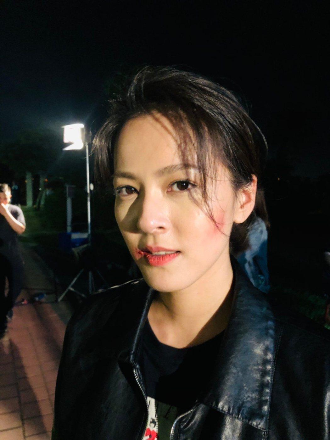 蘇晏霈在「多情城市」中演出角頭大姐大,樂在其中。圖/民視提供
