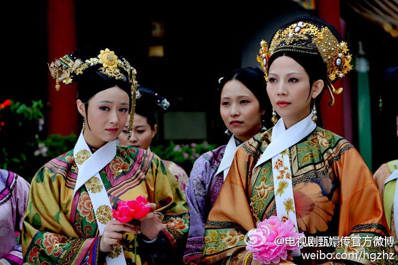 蔣欣(左)、蔡少芬在「後宮甄嬛傳」飾演的華妃、皇后。圖/摘自微博