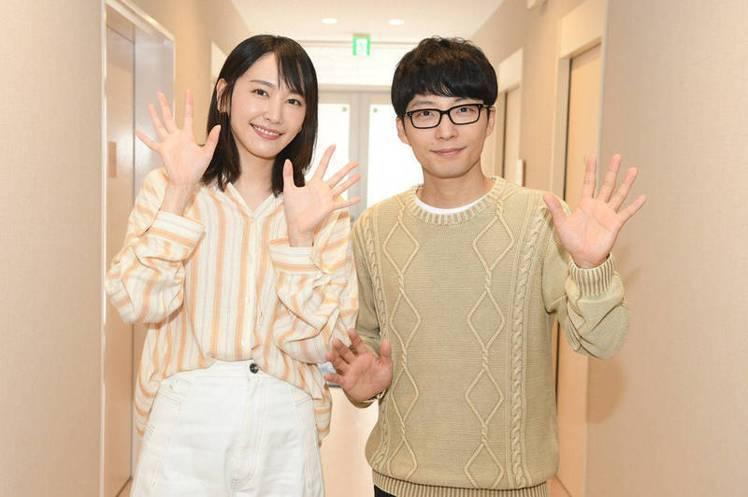 新垣結衣(左)與星野源(右)今透過經紀公司公布2人結婚喜訊。圖/WAKUWAKU...