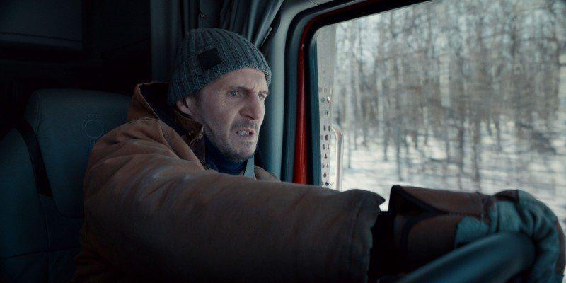 連恩尼遜在新片「疾凍救援」不但要爽快痛毆殺手,更要在大自然恐怖力量下突破重圍。圖