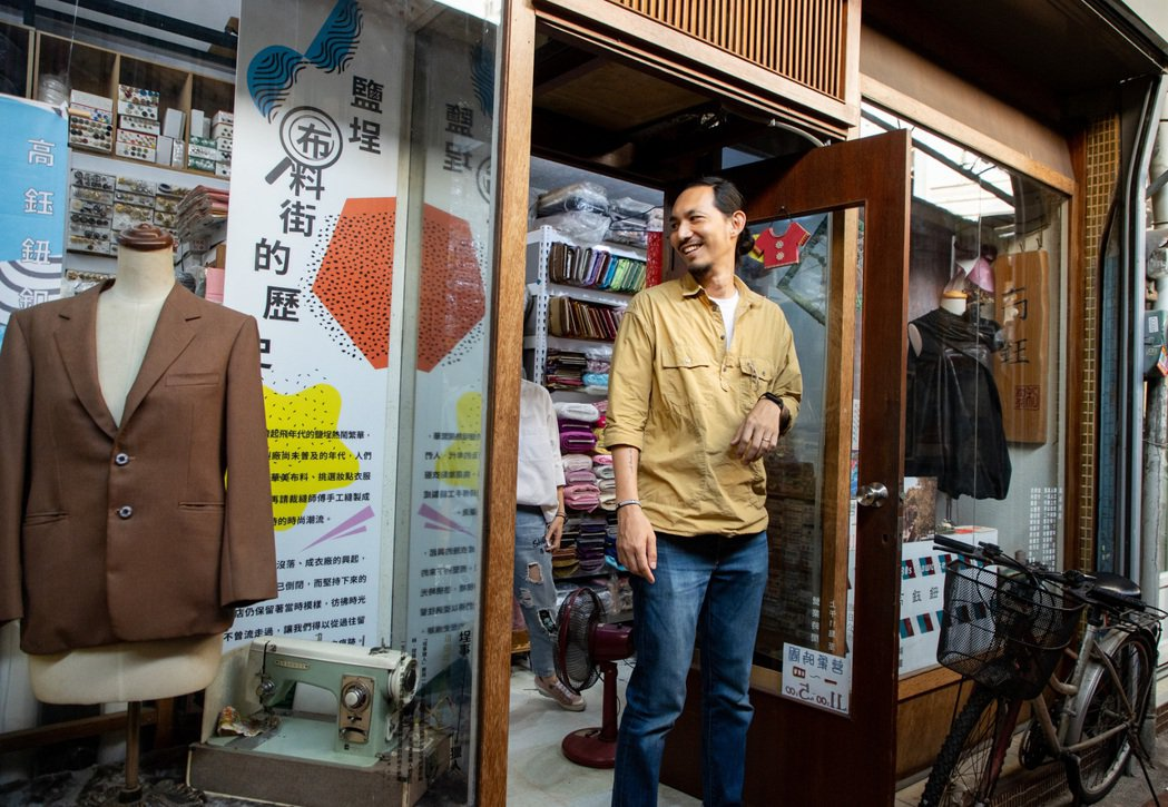 邱承漢樂見商店街有更多創新店家入駐。記者曾原信/攝影