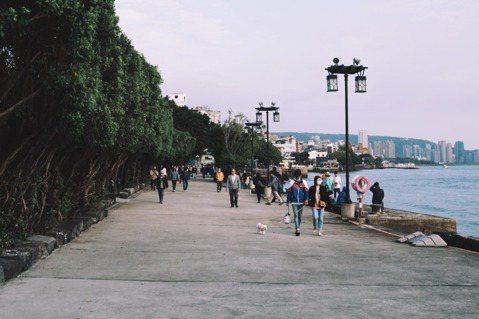 劉仲彬認為,警戒升級之後,動盪的不是街景,反而是人心。 圖/沈佩臻提供