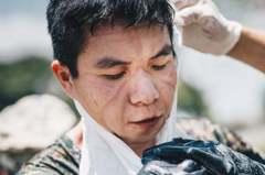 頂烈日清消!化學兵臉上「驕傲印痕」 萬人感動:國家天使