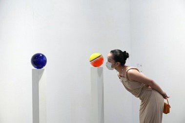 疫情壓境,香港3大藝術盛事線上登場:巴塞爾藝術展虛實導覽,最新藝文聚落先筆記