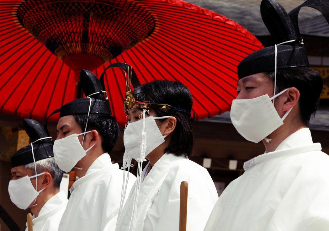 圖/路透社:日本如何增加民眾施打意願,早日達到群體免疫,還有待後續的觀察。