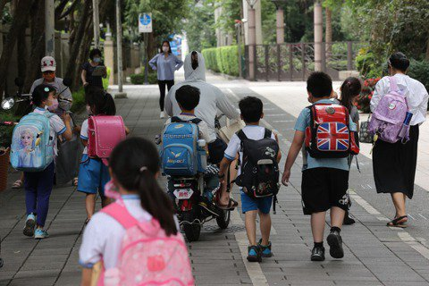 防疫期間該探視孩子嗎?離異家庭的親子關係維繫練習題