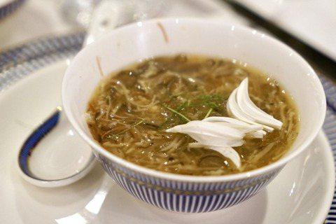 蛇羹,攝於香港「軟庫飯堂」。圖/LIZ提供
