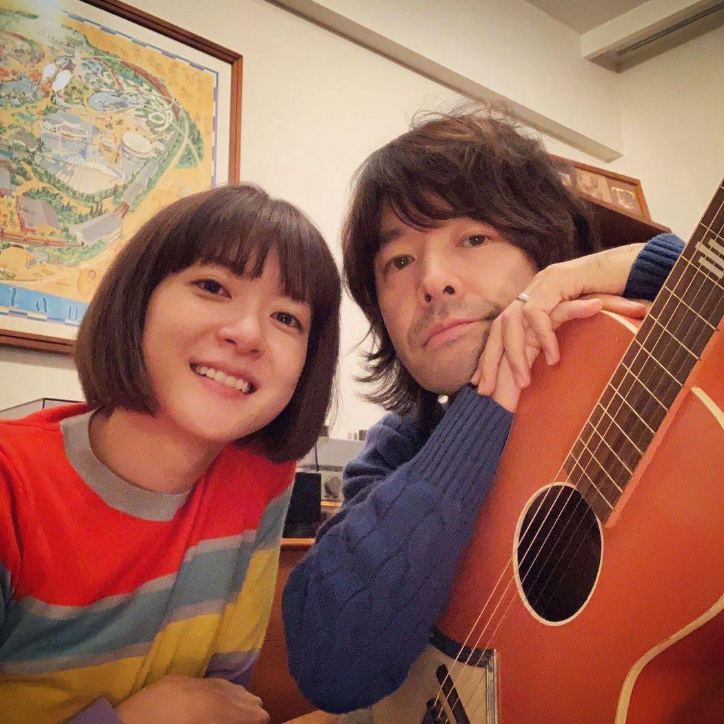 上野樹里2016年跟TRICERATOPS樂團主唱兼吉他手的和田唱結婚。圖/擷自...