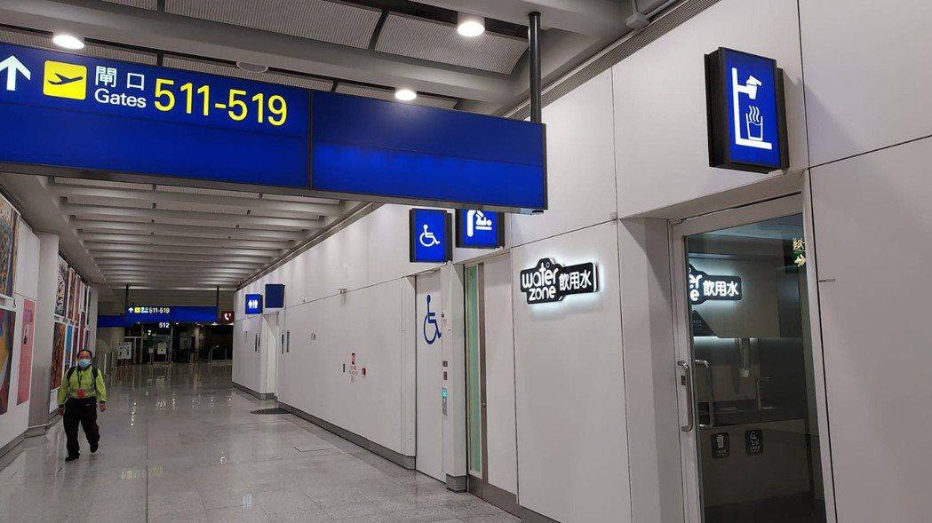 香港國際機場裝設廚下型飲水機。      沛宸淨化科技/提供