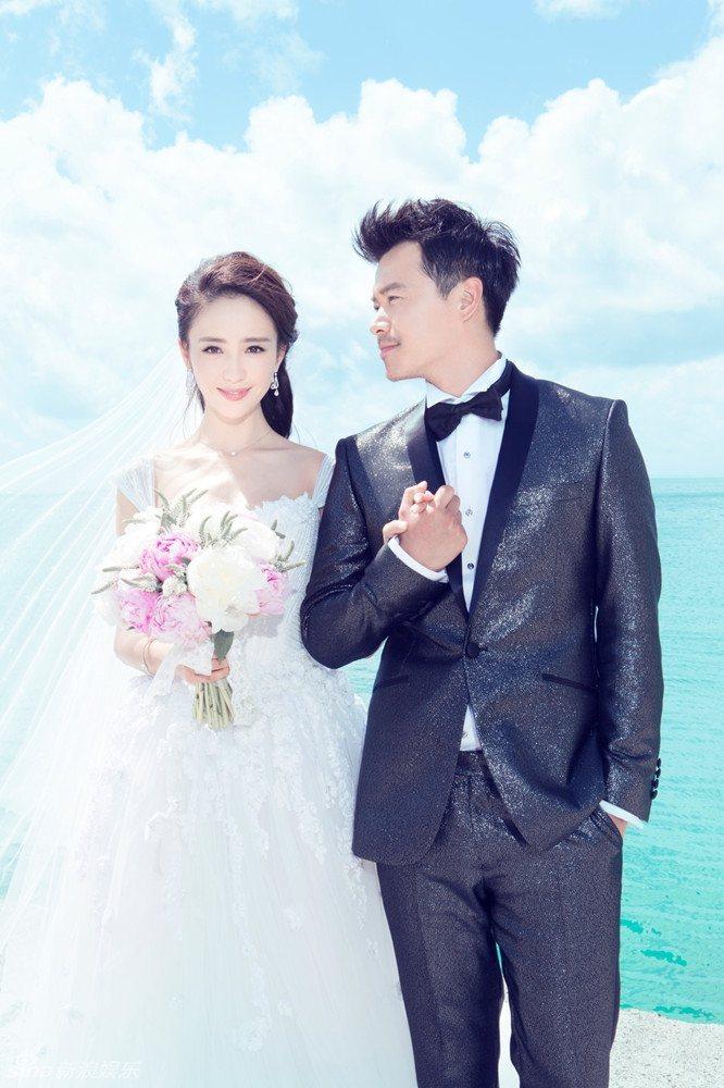 佟麗婭(左)和老公陳思誠宣布離婚。圖/摘自新浪網