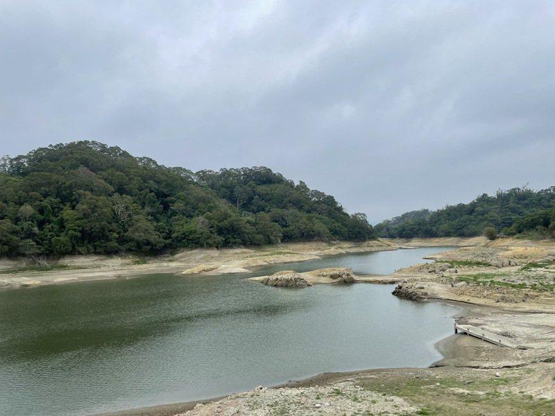 久旱不雨,新竹寶山水庫水量見底。圖/竹縣府提供