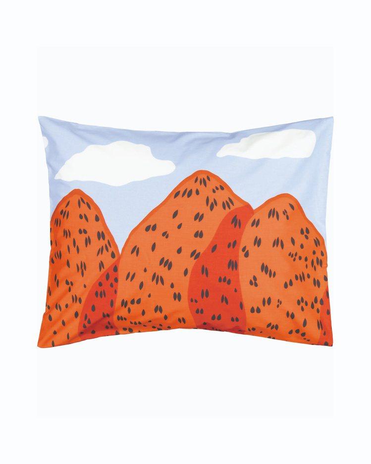 Mansikkavuoret印花枕頭套,1,150元。圖/Marimekko提供