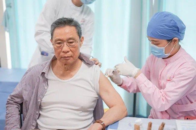 鍾南山:我們可能要像預防流感那樣定期打新冠疫苗  全球疫情大流行  全球  聯合新聞網