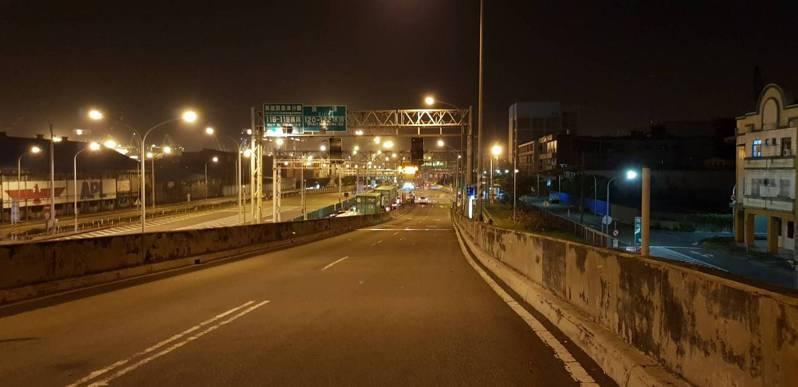 高雄過港隧道使用年限已久,市府將評估規畫第二過港隧道路線。圖/高雄市交通局提供