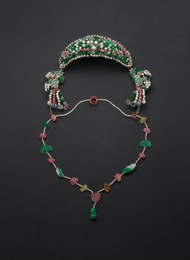 19世紀翠玉嵌珍珠雜寶頭面及墜飾,估價60萬港元起。圖/邦瀚斯提供