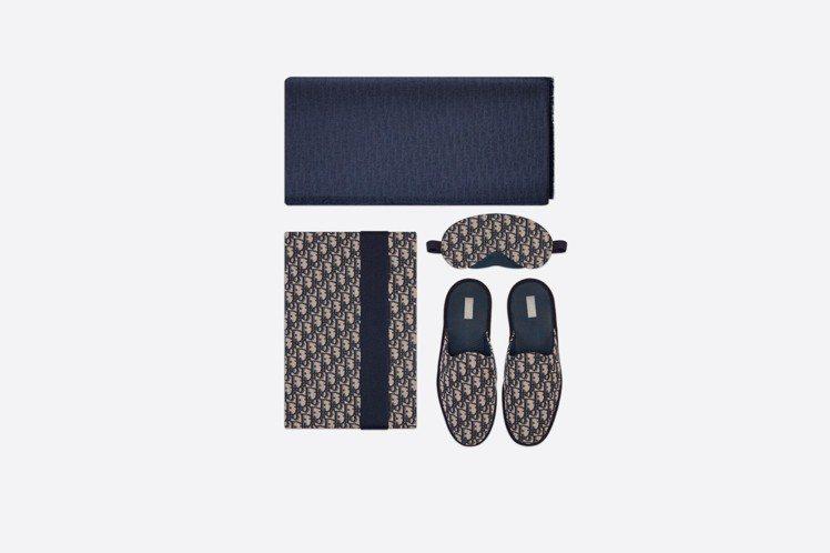 DIOR全新男士Dior Oblique家居服套裝,74,000元。圖/取自DI...