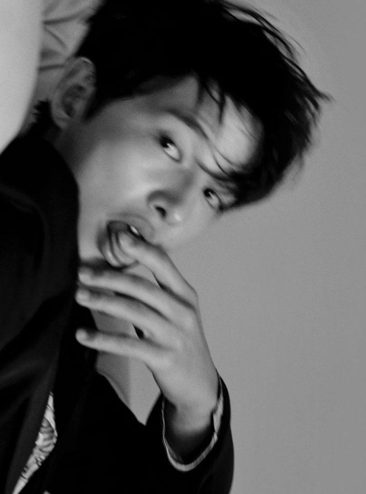 挾著《黑道律師文森佐》的後勁,宋仲基在韓國《GQ》雜誌的多張慵懶照片迷人又帥氣。...