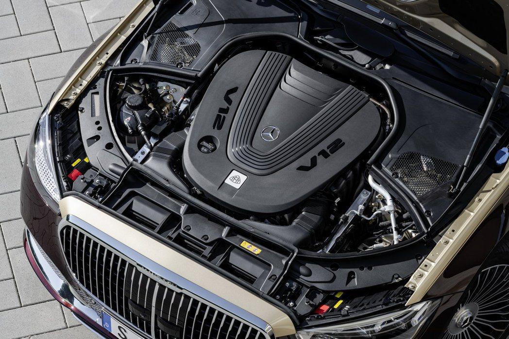 全新Mercedes-Maybach S 680 4MATIC搭載6.0升V12...