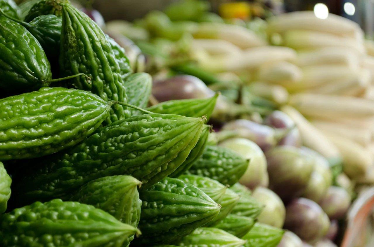 在日常飲食當中,可以吃一些苦類蔬菜,因為這類蔬果通常屬性「甘涼」或「甘寒」 圖/...